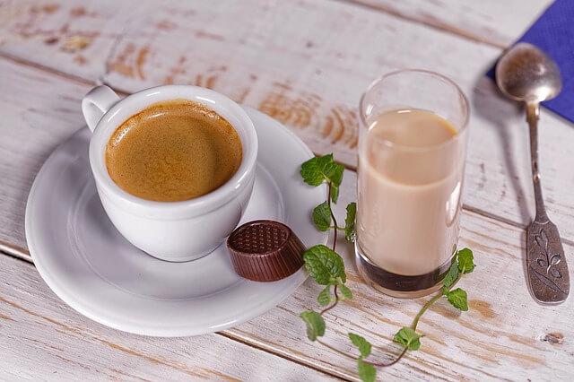 Jak parzyć kawę? Rodzaje kawy i sposoby jej zaparzania