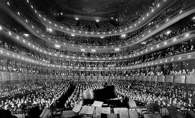 Jak się ubrać do opery?