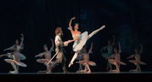 Para baletmistrzów na scenie