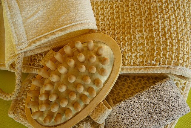 Jak stosować peeling? 5 sposobów na wykonanie domowego peelingu