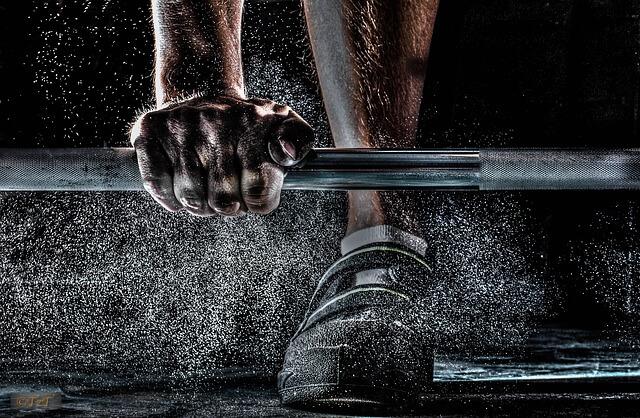 Jak ćwiczyć na siłowni, czyli o czym powinno się pamiętać
