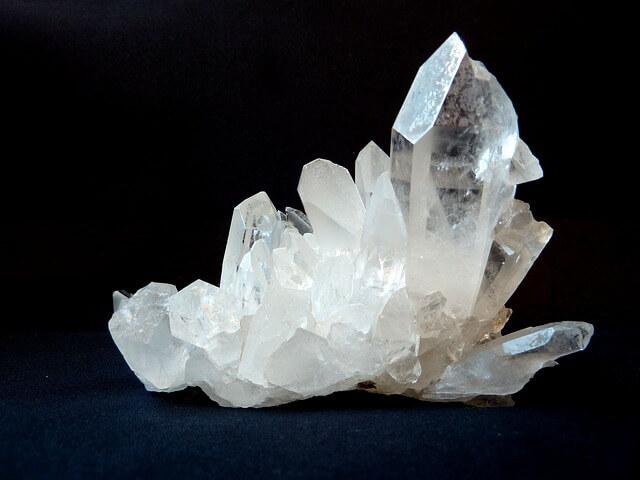 Kwarc to nie tylko piasek, jak ważny jest kwarc w przemyśle?