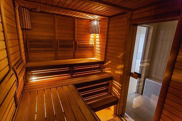 Serwis jacuzzi, saun lub urządzeń SPA – dlaczego zlecamy fachowcom?