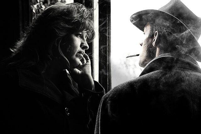 rozmowa między kobietą a mężczyzną