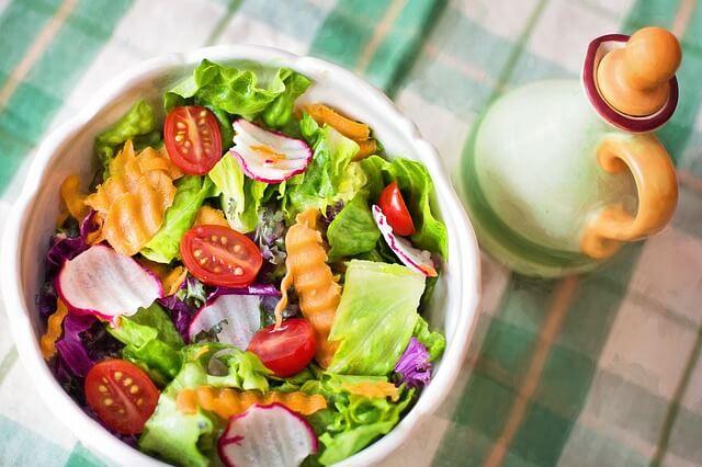 Sałatka warzywno-owocowa