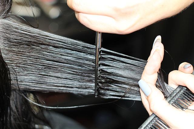 Jakie są najlepsze domowe sposoby pielęgnacji włosów? DIY maski, wcierki i olejowanie włosów