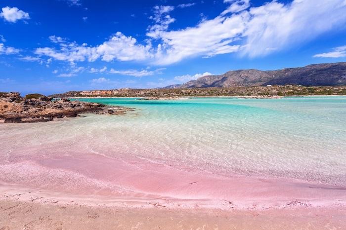 Różowa plaża Elafonisi na Krecie