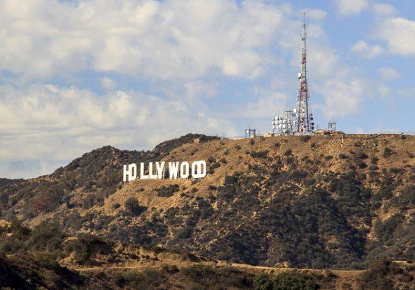 pejzaż Hollywood z napisem