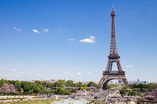 wieża-eiffla-paryż-francja