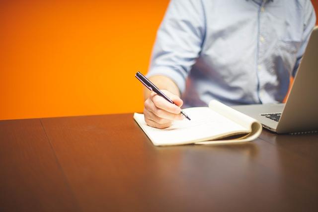 Ochrona własności intelektualnej w firmie – czym jest prawo wyłączne i wiedza utajona?