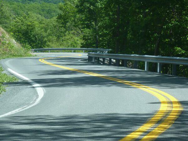 Na jakiej podstawie można malować linie na jezdni?