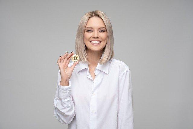 Jak działa bitcoin? Ile można zarobić na bitcoin?