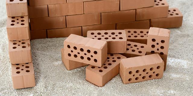 Wyprzedaż materiałów budowlanych. Gdzie tanio kupisz materiały budowlane?