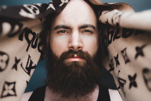 Prawidłowa pielęgnacja brody. Jak odpowiednio zadbać o brodę?